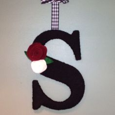 Yarn covered letter with felt flowers! Yarn Covered Letters, Yarn Letters, Felt Flowers, Monograms, Initials, Lettering, Awesome, Room, Felted Flowers