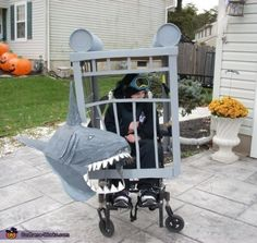 love the shark cage!