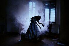 """A Dark Light"" — Photographer: Michele Maglio – Mic Photo Makeup: Violeta Vargas Model: Evergreen – Seta di Juta"