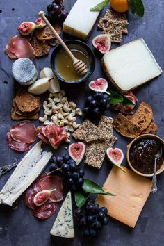 This Easy Holiday Cheese Board recipe is featured in the Cheese Boards feed along with many more. Party Platters, Food Platters, Cheese Platters, Catering Platters, Types Of Cheese, Meat And Cheese, Lunch Snacks, Antipasto, Chutney