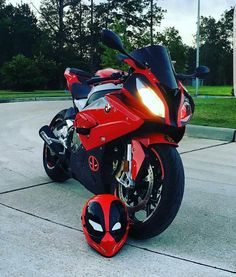 BMW S1000RR Deadpool