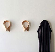 appendiabiti a parete in legno cuvato - Coat Hanger 'Monsieur Dressup'