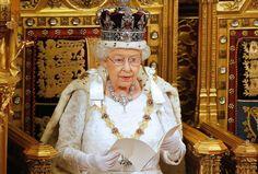 Ratu Elizabeth: Inggris Murung Namun Tegar : Di tengah gejolak serangan militan krisis politik dan bencana kebakaran mematikan Ratu Elizabeth mengatakan bahwa rakyat Inggris berada dalam suasana hati yang sangat