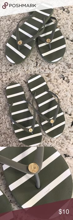 Abercrombie & Fitch flip flops! Green and white Abercrombie & Fitch flip flops. Like new condition! Size 8. Make me an offer! No trades please! Abercrombie & Fitch Shoes Sandals
