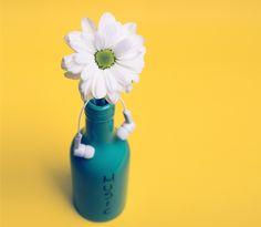 Floral Jar Mug Daisy Gerber Petal Patch Adams, Free High Resolution Photos, Wedding Wall, Billy Joel, Wedding Invitation Sets, Geek Culture, Decoration, Daisy, Water Bottle