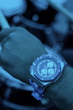 A real crowd pleaser, introducing the new blue Camouflage. Audemars Piguet, Royal Oak Offshore, Marine Blue, Camouflage, Crowd, Marie, Sporty, Photos, Instagram