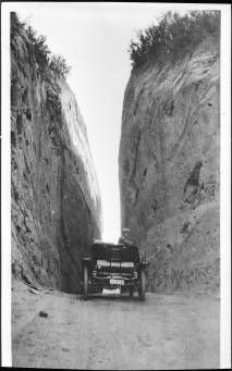 Newhall Pass :: Automobile Club of Southern California collection, 1892-1963