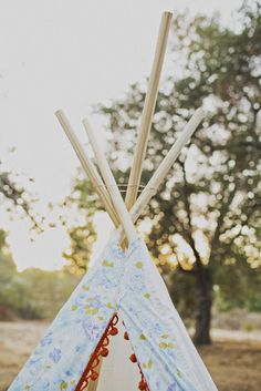 GOLD FEATHERS. ADVENTURES, INSPIRATION, AND OTHER LOVELY THINGS.: FAMILY PHOTOS FEATURED + DIY TEEPEE TUTORIAL