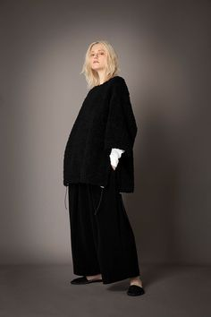 2021-22 A/W 013, Sheep Boa T-pullover FRC-Y01-503, 115/2 SUVIN Platinum Cotton Smooth Jersey Round Neck T-shirt FRC-T01-010, Cotton Cashmere Long Hair Pile Jersey Pleated Easy Pants FRC-P90-011 Neck T Shirt, Cashmere, Normcore, Pullover, Long Hair Styles, Cotton, Pants, Sheep, Collection