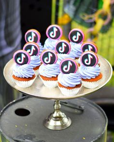 12th Birthday Party Ideas, Happy Birthday Hd, Birthday Party Decorations, Little Mermaid Cupcakes, Dream Cake, Candy Party, Cupcake Party, Partys, Cupcake Recipes