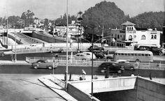 1950s. Viaducto en su cruce con Avs. de los Insurgentes, Nvo. Leon y Div. del Norte