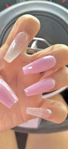 This series deals with many common and very painful conditions, which can spoil the appearance of your nails. But for you, nail technicians, this is not a problem! SPLIT NAILS What is it about ? Nails are composed of several… Continue Reading → Summer Acrylic Nails, Best Acrylic Nails, Nail Summer, Nail Swag, Nagellack Design, Polygel Nails, Pink Tip Nails, Bright Pink Nails, Blue Nail