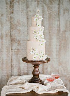 Dogwood Tall Wedding Cake