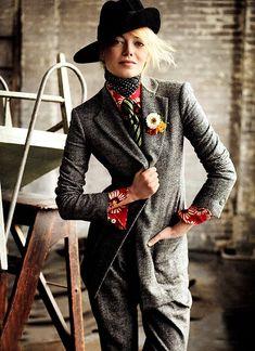 Emma Stone wears a tie and blazer better than I do. Vogue, July 2012