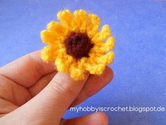 Crochet Small cone flower (Rudbeckia) http://www.myhobbyiscrochet.com/2013/04/small-cone-flower-rudbeckia-pattern.html