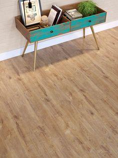CASA CLAUDIA lança piso laminado com a Duratex - Casa Home Again, Rustic Shabby Chic, Vinyl Flooring, Interior Decorating, Decor Interior Design, Furniture Restoration, Decoration, Repurposed Furniture, Diy