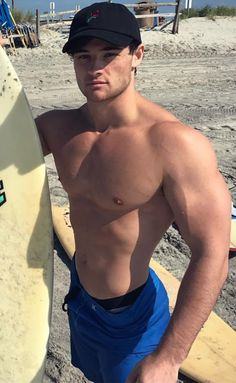 Muscled Surfers Enjoy Buffing Thick Cocks More Than Surfing