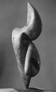 Transformation I, 1957 · Bronze · Bernhard Heiliger Foundation, Berlin · Courtesy Galerie Beck & Eggeling, Dusseldorf; Photo: © Ewald Gnilka / University of the Arts Berlin, University Archives