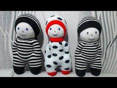 How to Make a Sock Doll, DIY dolls from socks socks style) - Her Crochet Loom Knitting Projects, Sewing Projects, Diy Dolls From Socks, Felt Doll Patterns, Sock Snowman, Sock Crafts, Sock Dolls, Rag Dolls, Sock Animals