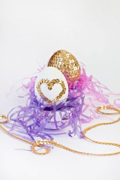 DIY Sequin Eggs -DIY Easter Eggs Decoration Ideas