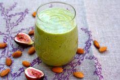 Recipe: Fresh Fig, Kale & Almond Smoothie