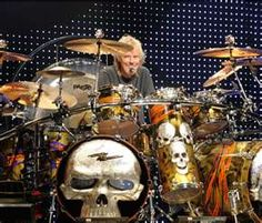 Frank Beard of ZZ Top Frank Beard, Billy Gibbons, Drums Beats, Drum Solo, Zz Top, Dope Music, Drum Kits, Drummers, Percussion