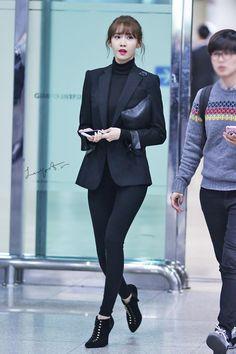 141107 yoona's airport fashion