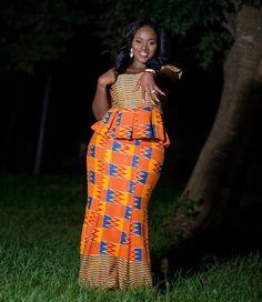 Happy Bride @mz_lottie #traditionalmarriage #kente #stylecapitalgh