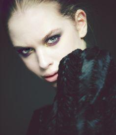 New make up look: iramakeup.com/yara/ (Ph: Sergi Fuster)