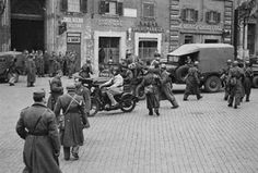 Il rastrellamento degli ebrei dal ghetto di Roma e da altre zone della Capitale da parte delle truppe di occupazione naziste. La deportazione e lo sterminio iniziarono dopo il settembre 1943 quando, in seguito al crollo del regime fascista e all'armistizio, i Tedeschi occuparono l'Italia settentrionale.   #TuscanyAgriturismoGiratola