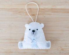 fieltro adorno oso polar oso hecho a mano Adorno, oso decorativo ornamento, decoración cuarto de niños, decoración para el hogar, regalos para bebés, decoración de vacaciones