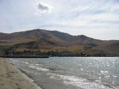 Lake Chelan, WA, 2007   Many different kinds of shores around the lake...