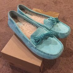 Sale New UGG Moccasins New in box with holographic tag 100% authentic UGG mint moccasins size 8.5 UGG Shoes Moccasins