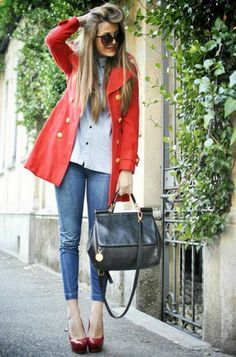 RED - more → http://fashiononlinepictures.blogspot.com/2012/06/red.html