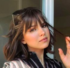 The Top Trending Haircuts That You Want to Try in 2019 Fringe Hairstyles Haircuts Top Trending Trending Haircuts, Cool Haircuts, Modern Haircuts, Fringe Hairstyles, Hairstyles With Bangs, Popular Hairstyles, Latest Hairstyles, Medium Curly Haircuts, Beach Hairstyles