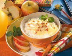 Apfelmilchreis mit Vanille-Joghurt Rezept: Person,Milch,Milchreis,Zucker,Apfel,Zitronensaft,&quotVanille-Geschmack&quot,Verzieren