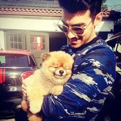 Joe Jonas Holds A Cute Fluffy Puppy - http://oceanup.com/2014/03/27/joe-jonas-holds-a-cute-fluffy-puppy/