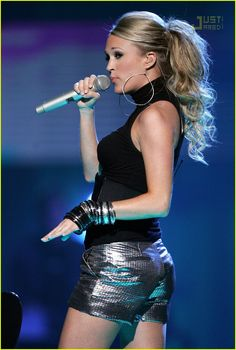 Google Image Result for http://cdn03.cdn.justjared.com/wp-content/uploads/2007/04/carrie-cmts/carrie-underwood-hot-pants-03.jpg