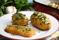14 omlósan puha halas fogás - süsd, rántsd, grillezd, formázz pogácsát belőle! | NOSALTY Baked Potato, Bacon, Potatoes, Ethnic Recipes, Food, Meal, Potato, Essen, Roasted Potatoes