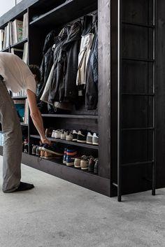 Living Cube Combines Entertainment Center, Bookshelves, Wardrobe, Walk-In Closet, Loft Bed | Geekologie