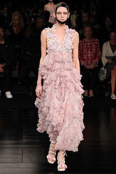 Alexander McQueen womenswear, spring/summer 2015, Paris Fashion Week
