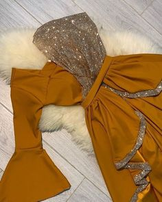 Indian Fashion Dresses, Pakistani Dresses Casual, Indian Gowns Dresses, Dress Indian Style, Pakistani Dress Design, Indian Designer Outfits, Fashion Outfits, Fashion Pants, Stylish Dresses For Girls