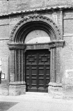 1964 - 1965 Matelica - Portale della chiesa di Sant'Agostino