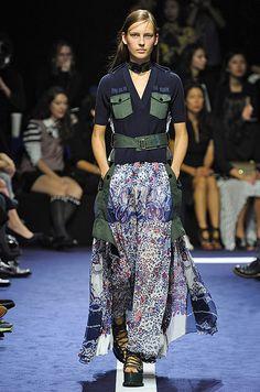 photo : sacai : 2015 SS : sacai Vogue Paris, Sacai Luck, Lace Skirt, Sequin Skirt, Fashion Week, Womens Fashion, Combo Dress, Luxe Life, Parachute Pants