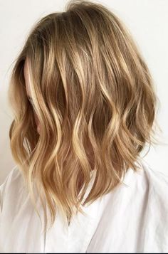 beachy lob hairstyle and golden waves