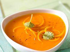 Découvrez la recette Velouté de carottes à l'orange sur cuisineactuelle.fr.