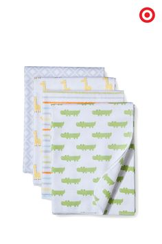 Cozy and soft, the Circo Snoozin Safari 4-pack Flannel Blankets are sure to keep your baby warm. These cotton receiving blankets feature sweet safari animals and fun patterns, and are perfect for snuggling, cuddling and playtime.