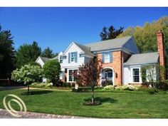 $790,000 16 Scherer Pl, Grosse Pointe Farms, MI 48236