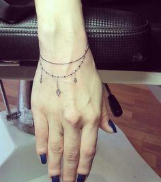 Simple Armband Tattoos, Tribal Armband Tattoo, Tribal Shoulder Tattoos, Armband Tattoo Design, Mens Shoulder Tattoo, Tribal Tattoos, Subtle Tattoos, Pretty Tattoos, Ankel Tattoos
