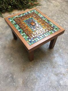 Mesa salon Mosaic Tile Designs, Mosaic Tile Art, Mosaic Pots, Mosaic Diy, Mosaic Patterns, Mosaic Glass, Stained Glass, Tile Crafts, Mosaic Crafts